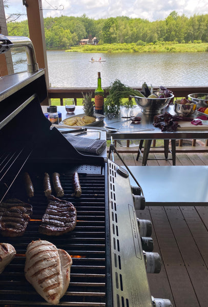 Stagshead Lakehouse: Grilling at the Outdoor Kitchen
