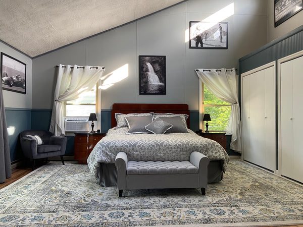 Stagshead Lakehouse: Master Suite