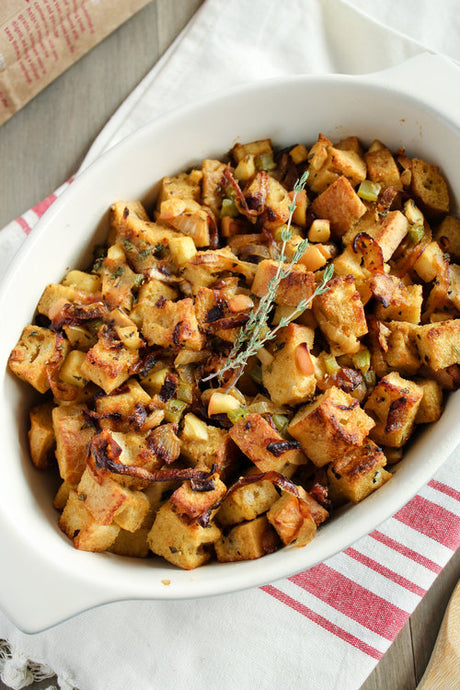 GLUTEN-FREE CARAMELIZED ONION & APPLE STUFFING