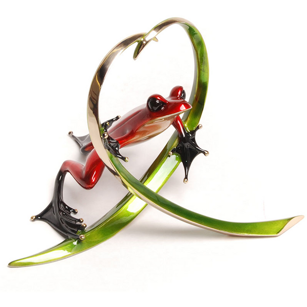 Arrow bronze frog by Tim Cotterill