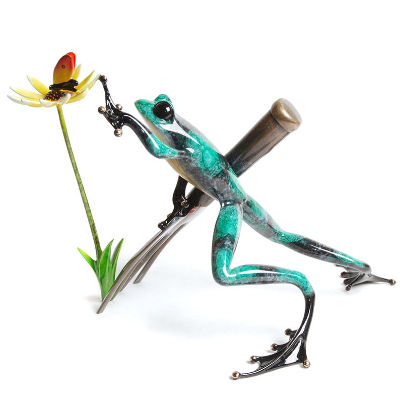 Digger bronze frog by Tim Cotterill