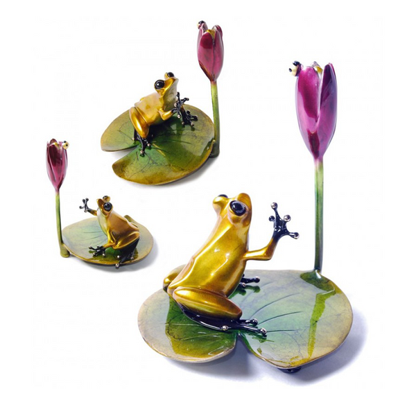 Water Lily bronze frog by Tim Cotterill