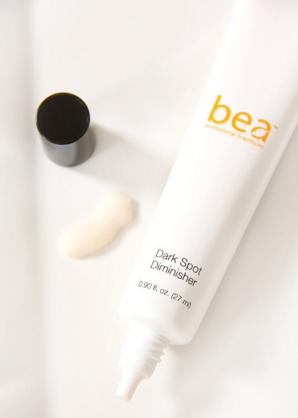 Skincare - Bea Skincare And Cosmetics™ - Brightening Dark Spot Diminisher With Natural Licorice Extract, White Lotus Flower Extract, Arnica, Salomon's Seal, Cypress Nut And Malt Extracts, Vitamins A, C & E By Bea ™ (0.90 Fl. Oz.)