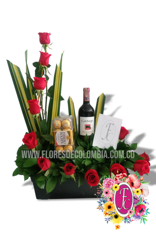 Media luna con vino y chocolates │ Flores de Colombia