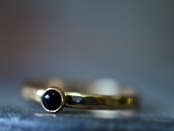 Hammered 14ct Yellow Gold & 3mm Black Onyx Ring