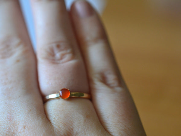 Simple Natural 4mm Carnelian Gemstone Ring in 14K Gold