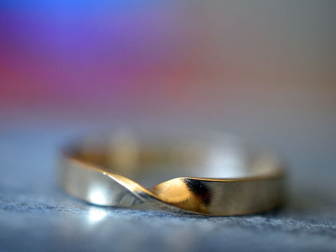 Simple Plain 14K Yellow Gold Mobius Wedding Ring For Men