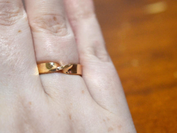Handmade 14K Gold Mobius Wedding Ring for Men & Women
