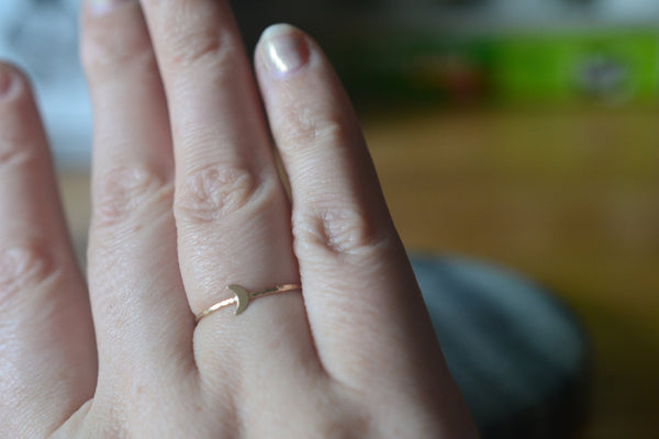 Simple Hammered 14K Gold Band With Crescent Moon Charm