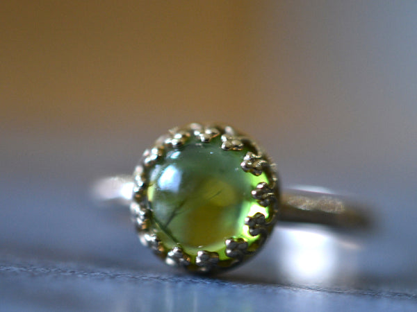 Women's 8mm Peridot Engagement Ring in 14K Yellow Gold