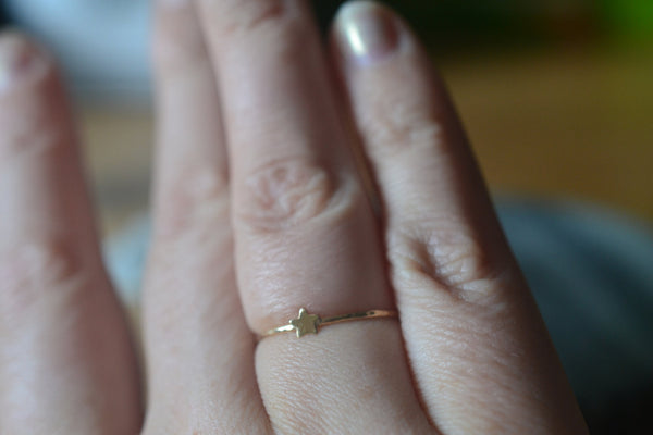 Simple 14K Yellow Gold Star Charm Stacking Ring