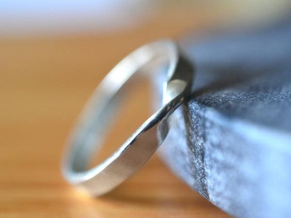 Personalised 14K White Gold Mobius Twist Wedding Ring