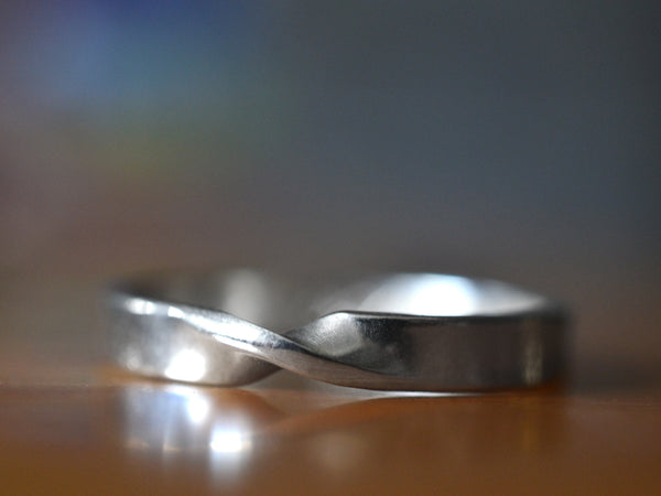 3mm Wide 14K White Gold Mobius Wedding Band