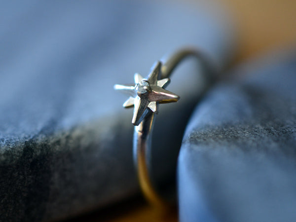 Personalised 14K White Gold Star & Diamond Ring