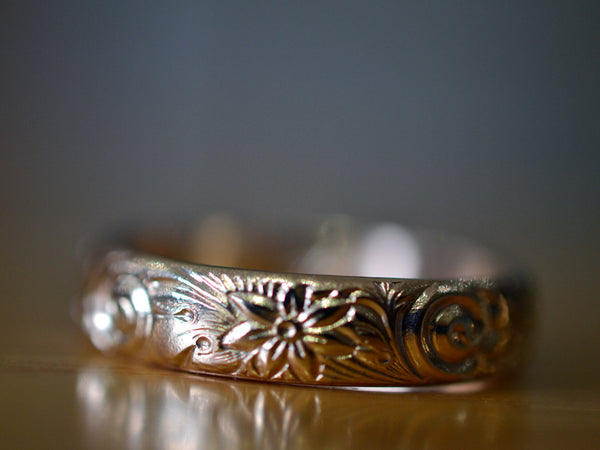 Embossed Flower & Swirl Wedding Ring in 14ct Yellow Gold