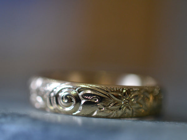 Floral Scroll Wedding Ring in 14K Yellow Gold With Engraving