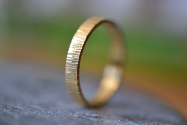 Mans 3mm Hammered Wedding Band in 14K Yellow Gold