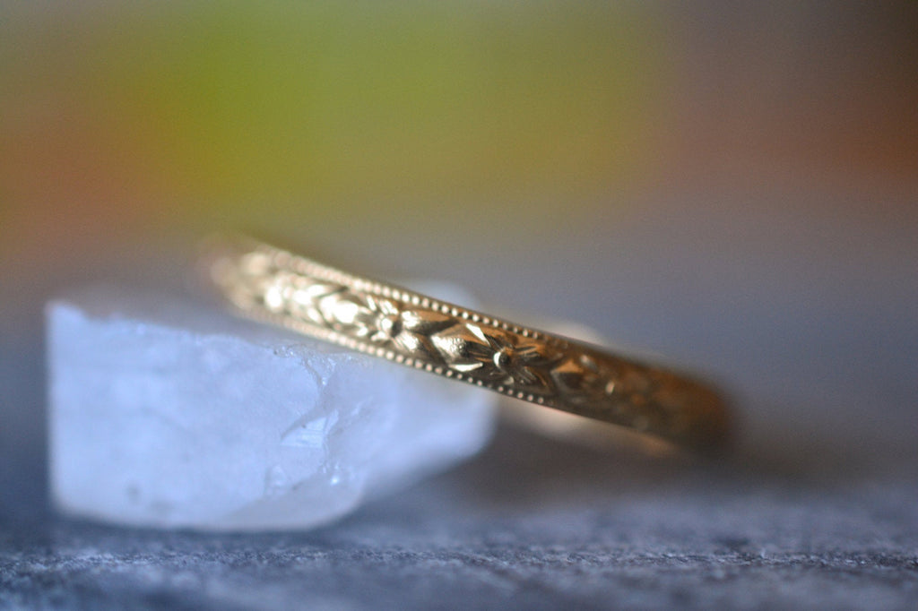 Women's Dainty Floral Wedding Band in 14K Yellow Gold
