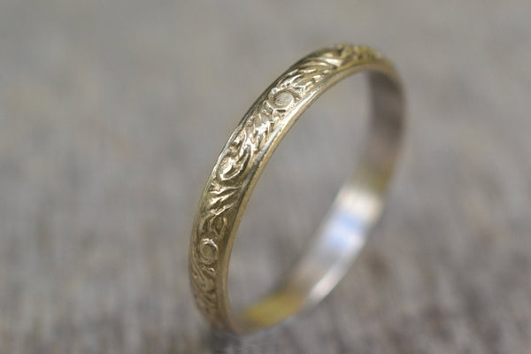 Renaissance Leaf Wedding Band in 14ct Gold