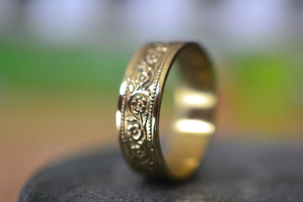 Wild Rose Wedding Band in 14K Yellow Gold