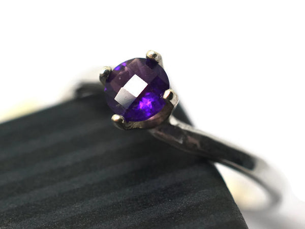 5mm Amethyst Solitaire Ring in Sterling Silver