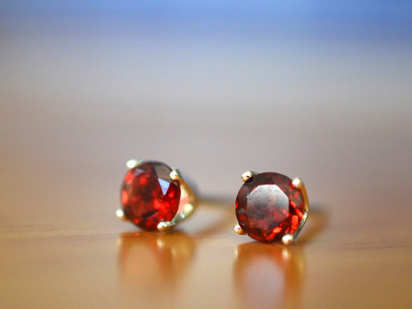 5mm Red Garnet Stud Earrings in Silver