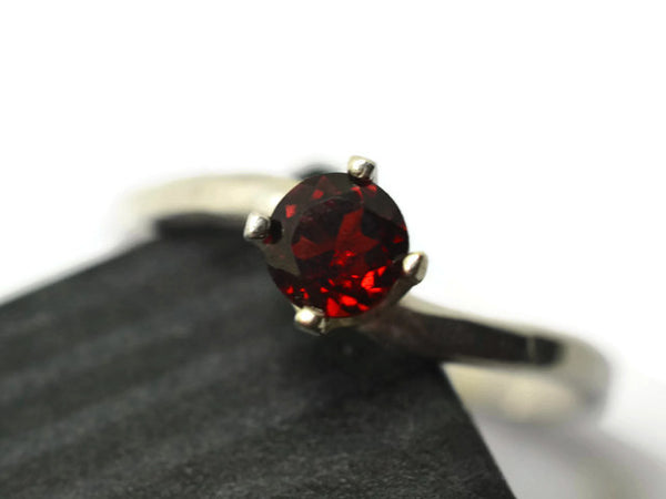 Minimalist Sterling Silver & 5mm Red Garnet Solitaire Ring