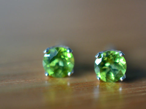 5mm Peridot Gemstone Stud Earrings in Sterling Silver