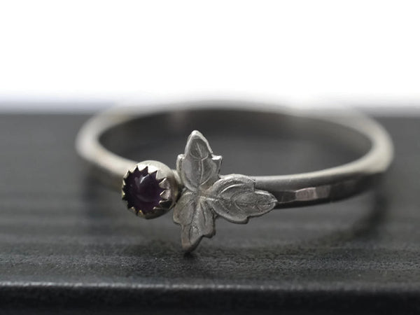 3mm Amethyst Berry & Silver Leaf Ring