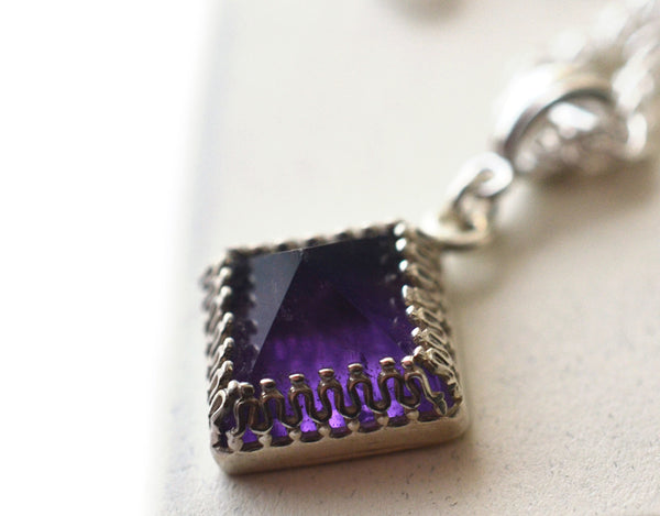 Women's Amethyst Pyramid Necklace in Sterling Silver