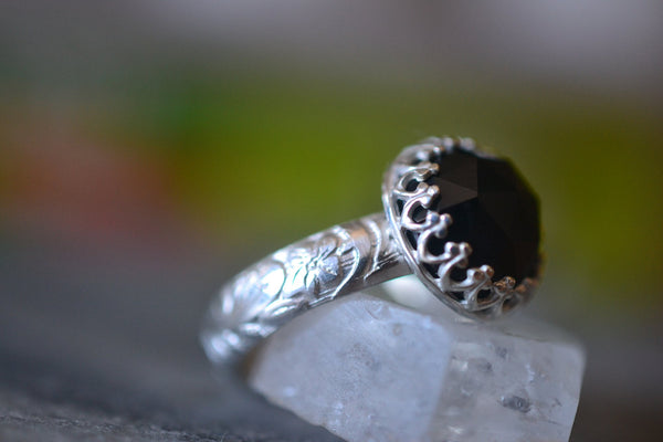 Renaissance Style 10mm Rose Cut Black Spinel Stone Ring