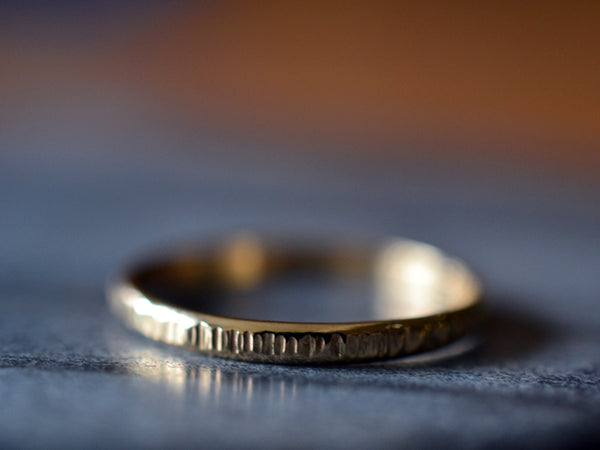 Dainty Hammered 18K Gold Wedding Band