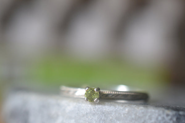 Delicate 3mm Peridot Promise Ring in Patterned Sterling Silver