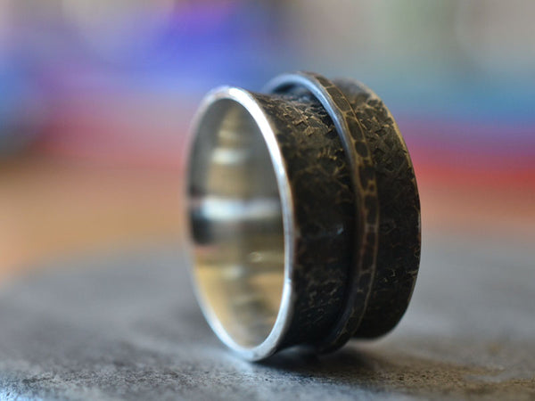 Men's Oxidised Silver Spinner Ring With Hammered Texture