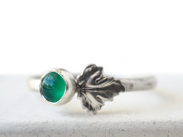 Women's Emerald & Leaf Charm Ring in Sterling Silver