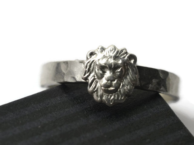 Engravable Silver Lion Ring