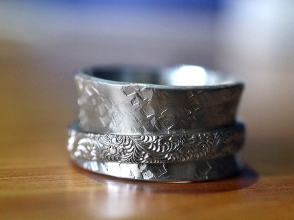 Handmade Sterling Silver Plume Patterned Spinning Ring