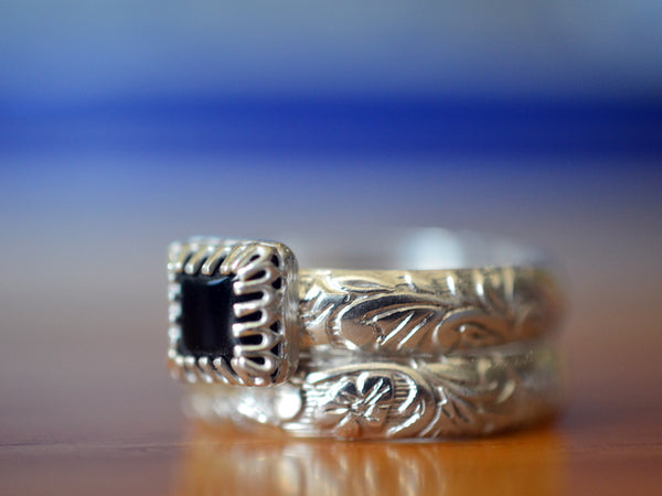 Floral Silver Black Onyx Bridal Wedding Ring Set with Engraving