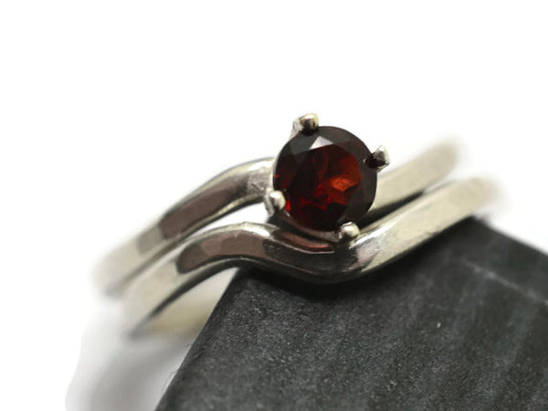 Women's Wavy Silver & Garnet Wedding Ring Set