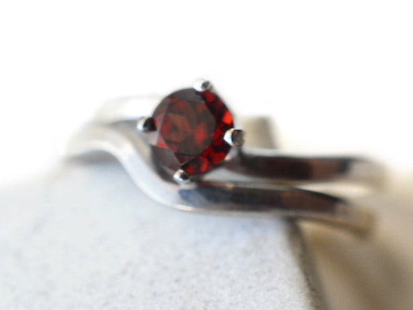 Women's 5mm Red Garnet Solitaire Engagement Ring Set