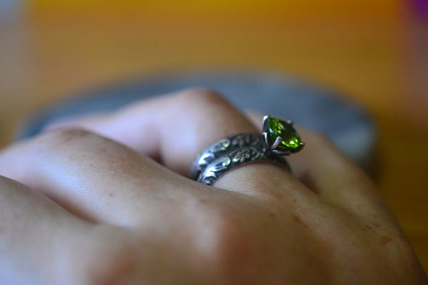 Women's Gothic Floral Peridot Engagement Ring Set in Silver