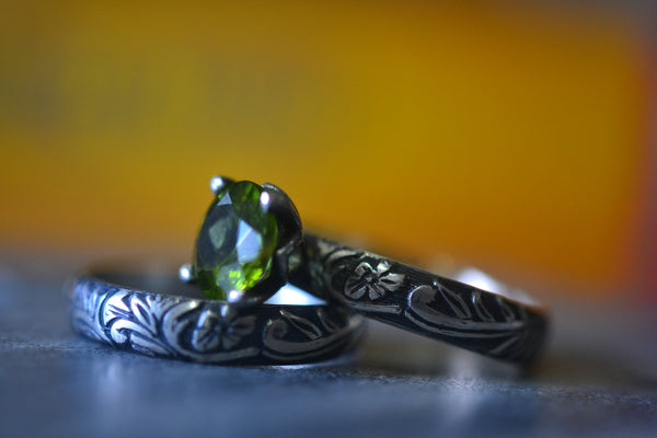 Women's Wedding Ring Set With Natural Green Crystal Stone