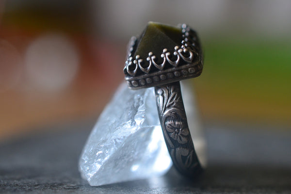 Gold Sheen Obsidian Crystal Point Ring in Gothic Silver