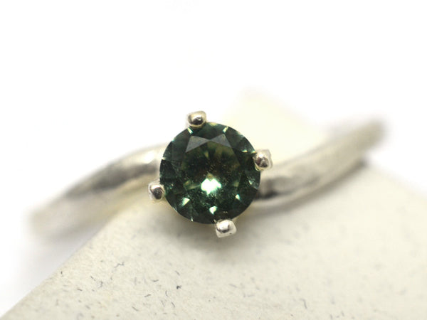 Women's Claw Set Green Spinel Engagement Ring