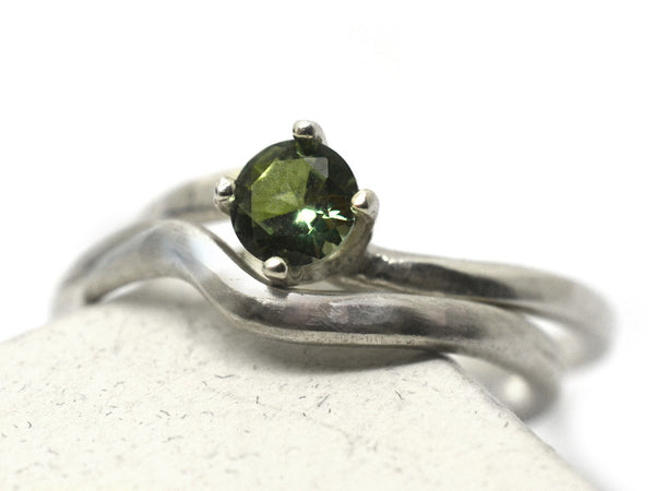 Simple Green Spinel Wedding Ring Set in Sterling Silver