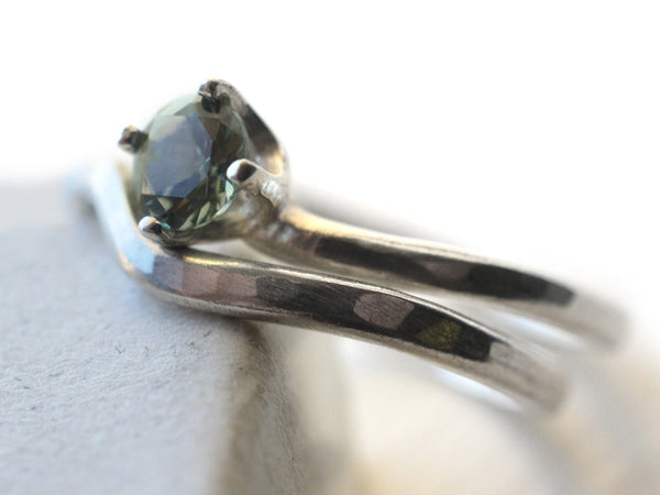 Green Spinel Solitaire Wedding Ring Set in Silver