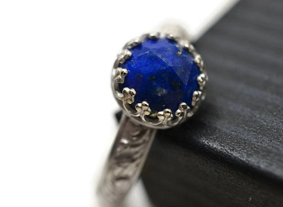 Handmade Floral Patterned Sterling Silver Lapis Lazuli Ring