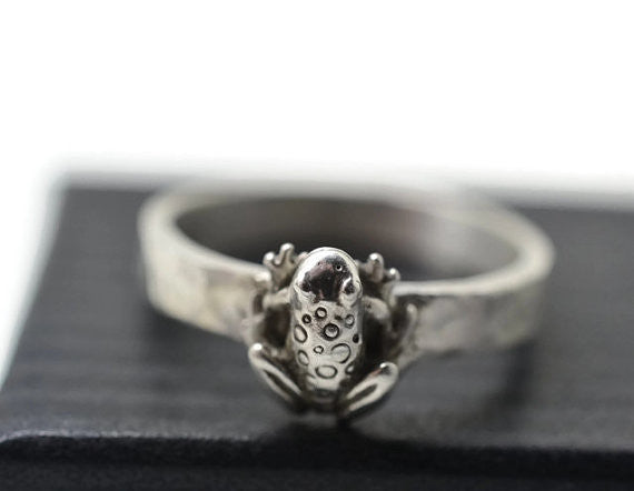 Engravable Sterling Silver Frog Ring