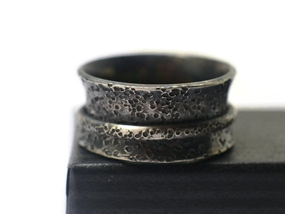 Handmade Distressed Oxidized Silver Hammered Spinning Ring