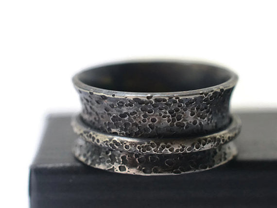 Handmade Oxidized Silver Hammer Textured Spinner Ring